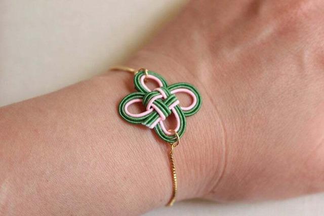 緑色四つ葉水引結びのブレスレット