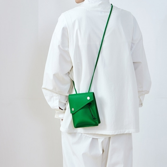 Small square messenger bag   b-228