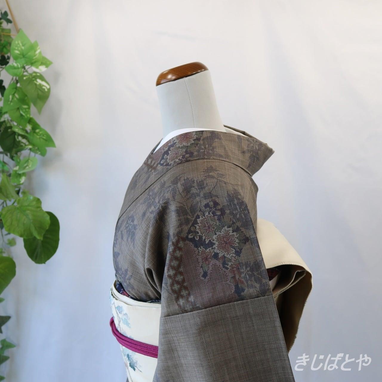 正絹紬 煤色に花 袷