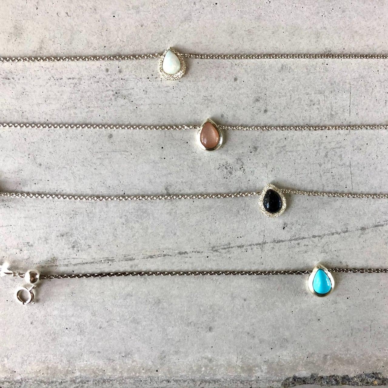 【LB-4SV】Pair shape natural stone chain bracelet  A/ターコイズ B/ピーチムーンストーン C/エヒオピアンオパール D/スペクトロライト
