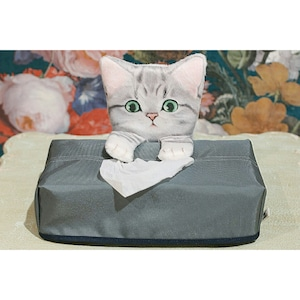 見守るサバ白子猫のティッシュカバーケース/浜松雑貨屋 C0pernicus