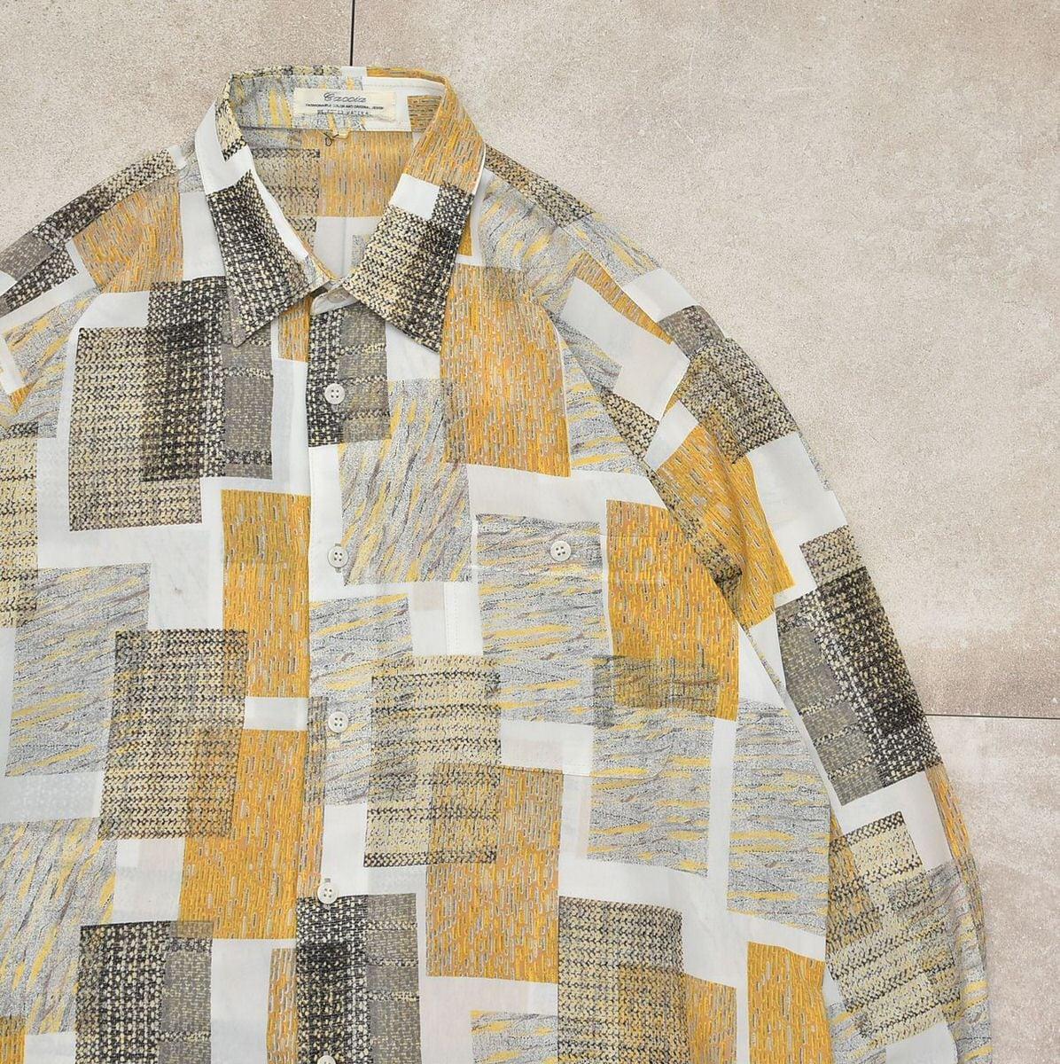 Jp vtg Geometric full pattern poly shirt