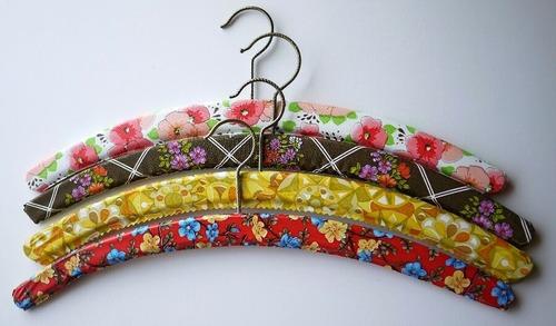 ビンテージ  花柄ビニールハンガー かわいいレトロ小花 4本 ドイツ