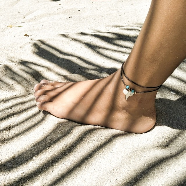 Shark tooth Color Anklet