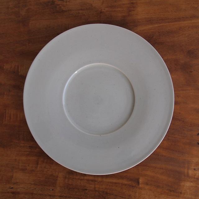 こいずみみゆき 8寸幅広リム皿 白