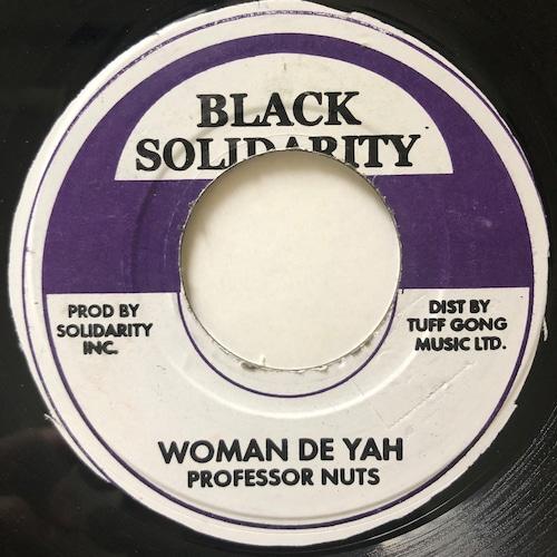 Professor Nuts - Woman Deh Yah【7-20701】