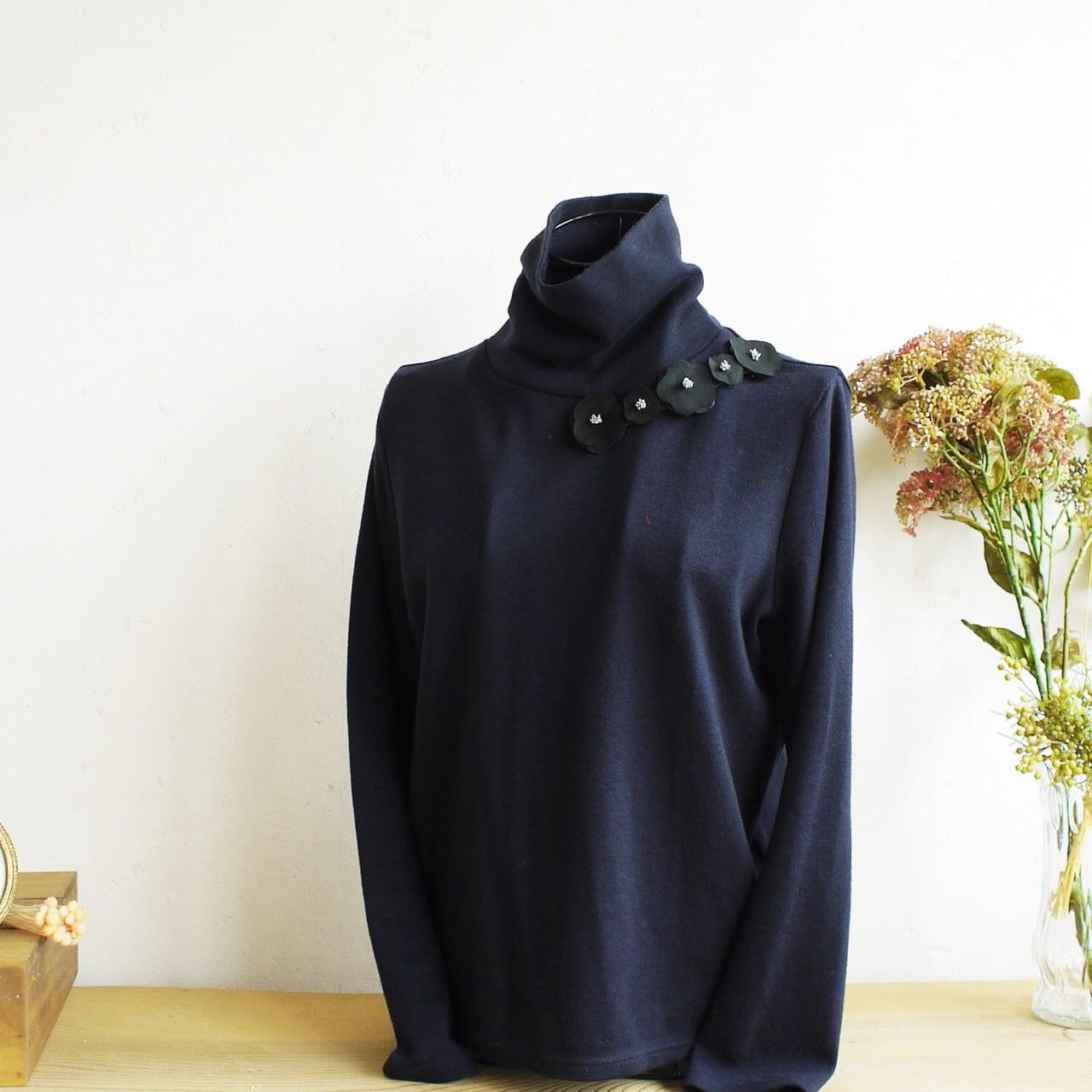 衿元を魅力的に 麻のブローチ〈 Romantic 〉Black