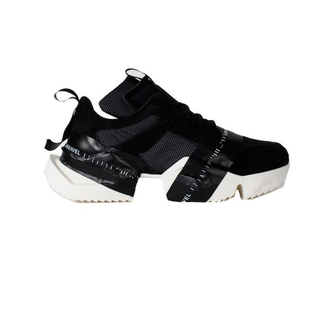 UNRAVEL Sneaker