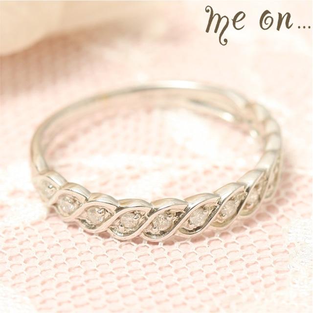 ★送料無料★【me on...】◆K10ホワイトゴールド◆ハーフエタニティ・ダイヤモンドリング