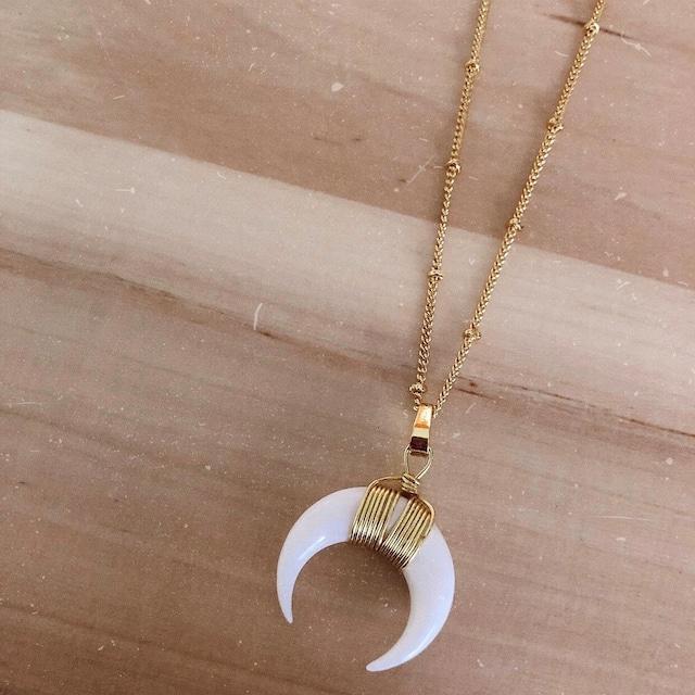 Wanderlust Factory Crescent moon necklace
