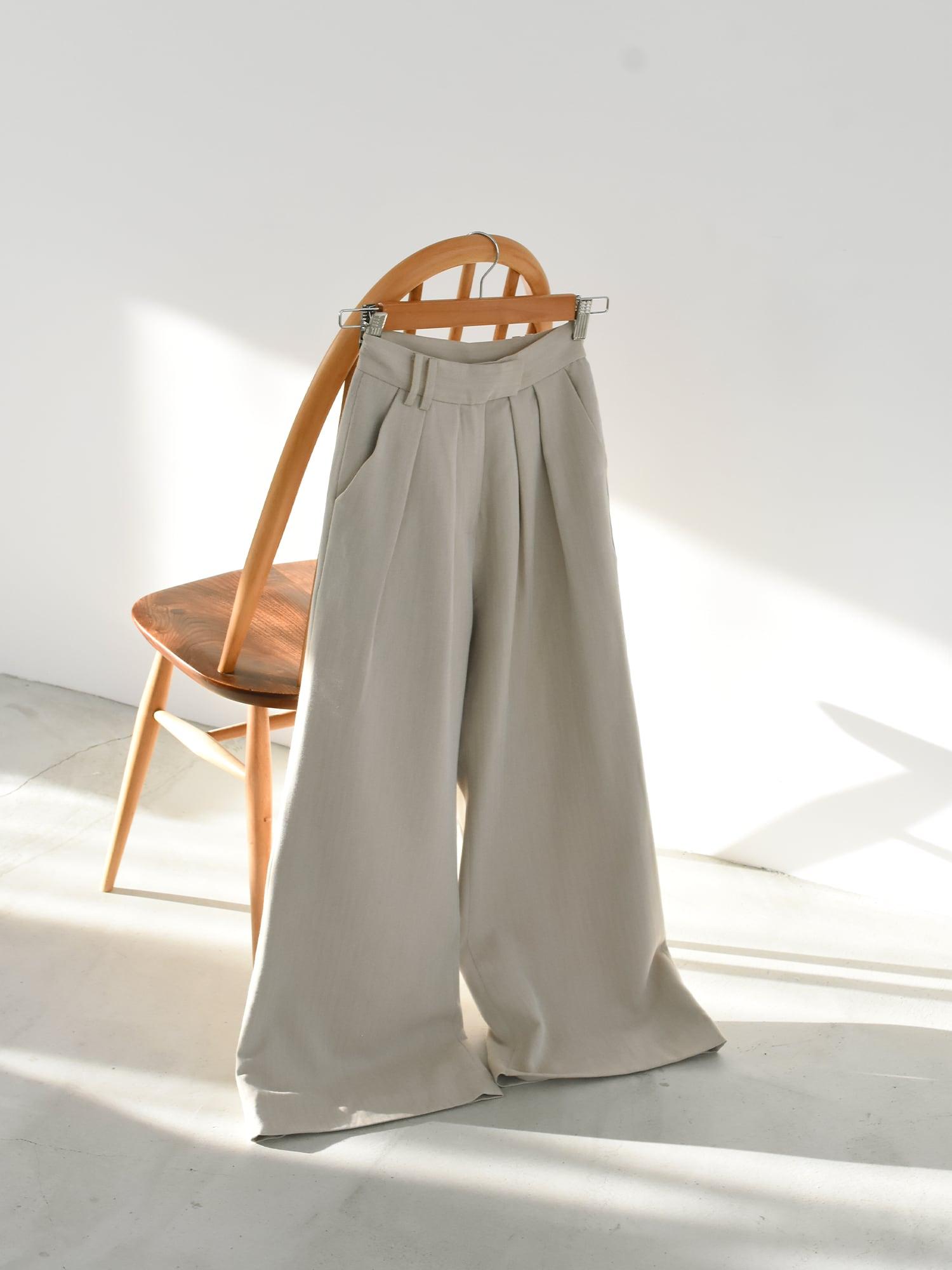 2tuck wide slacks(beige)