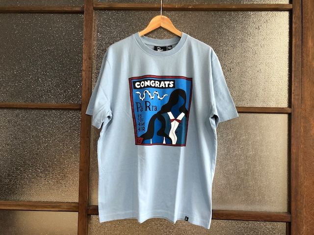 BY PARRA CONGRATS TEE (DUSTY BLUE)