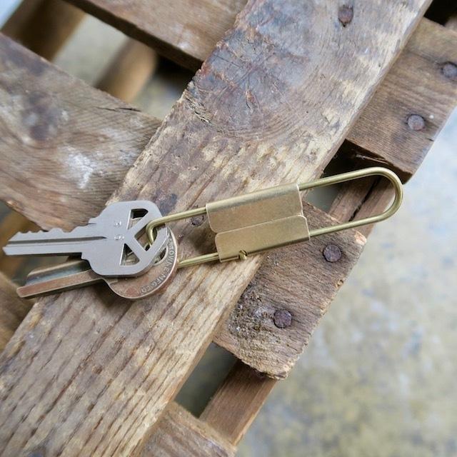 Tiny Formed Tiny metal key shackle キーシャックル