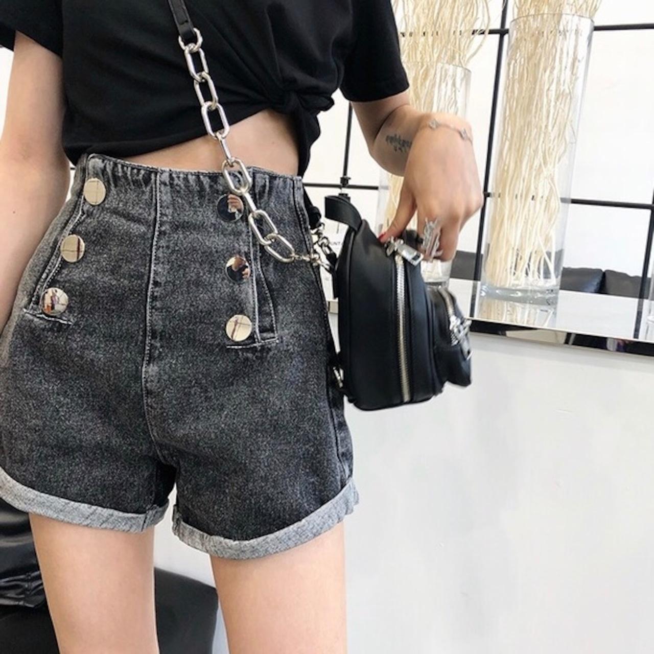 【即納】big button short pants