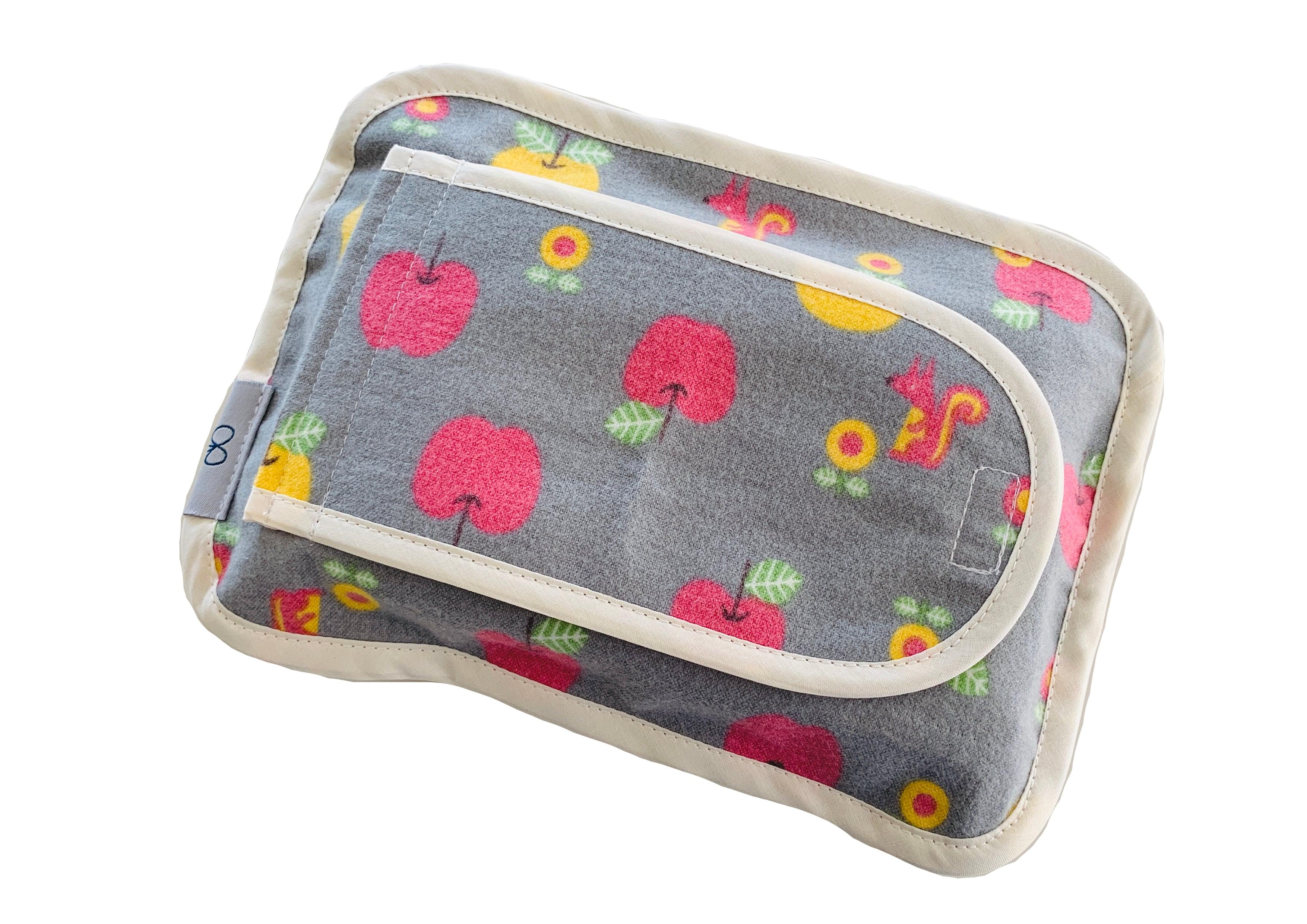 布製のウェットシートケース・グレーりんご柄