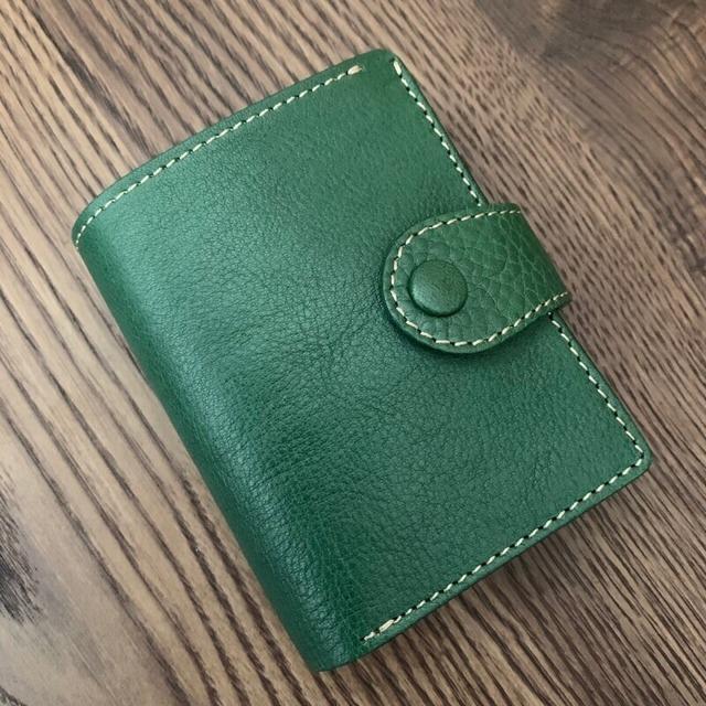 訳あり限定1点 小さくてもしっかり収納!小さなバッグにぴったり!二つ折り財布