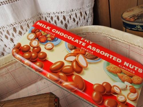 イギリスアンティーク チョコレート缶