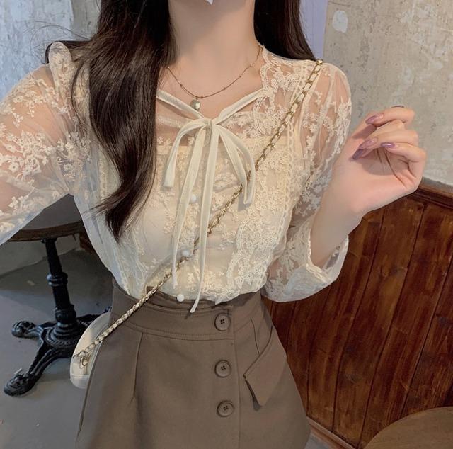lace tops / lap button skirt