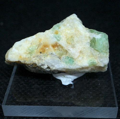 ノースカロライナ産 エメラルド 原石 標本 鉱物 13,4g ED057 ベリル 緑柱石 パワーストーン 天然石