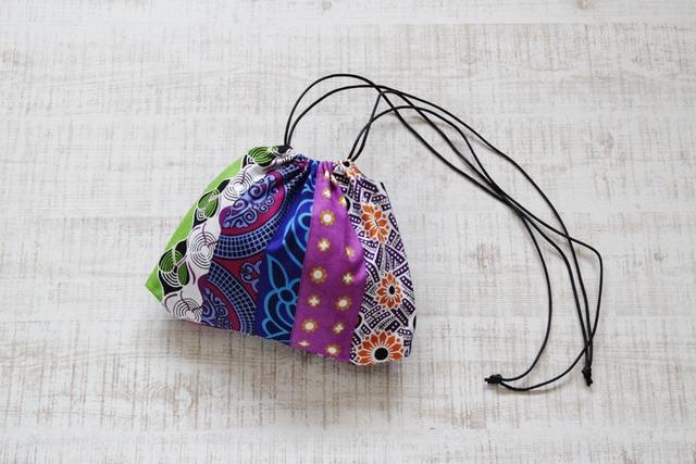 カンガの巾着ショルダー|パッチワーク / インナーバッグ