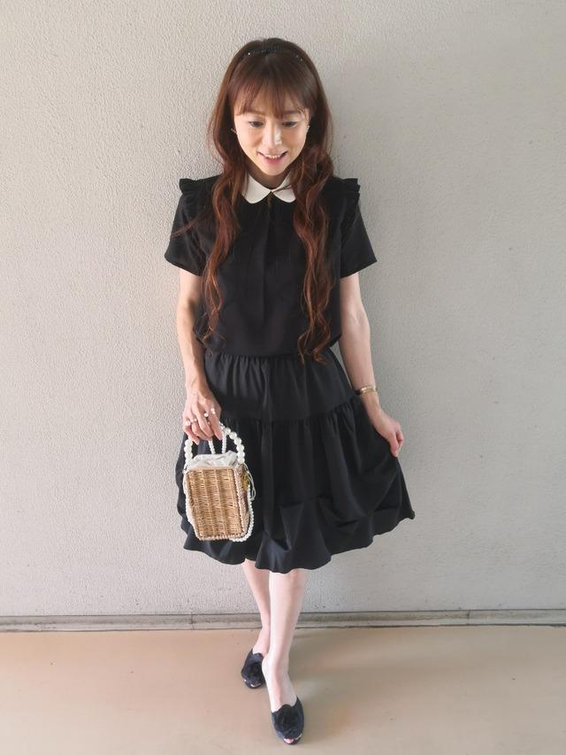 【アパレル・ボトムス】おリボン付き ピンススカート・ブラック