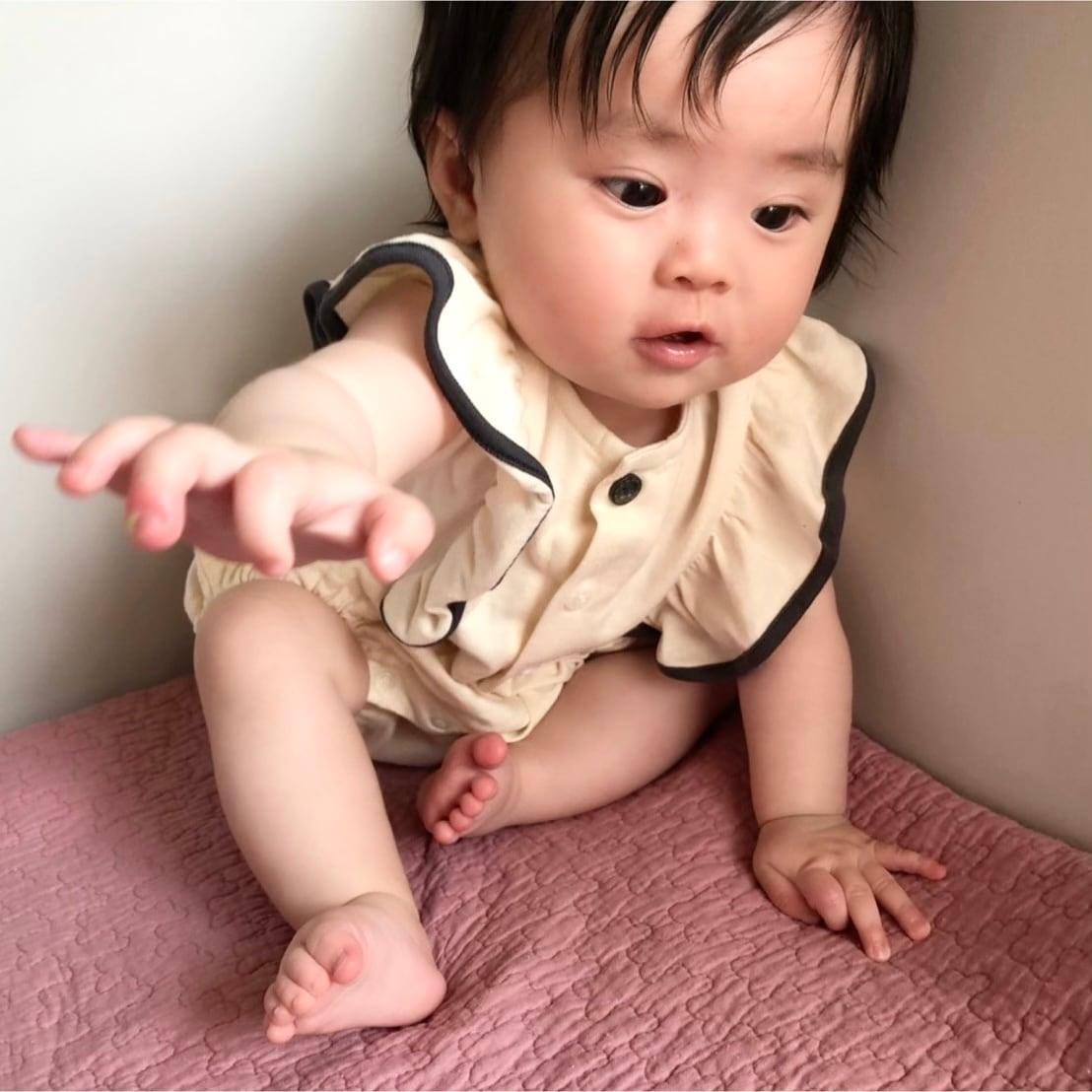 【ベビー服】フリルスリーブリラックスショートオール / エクリュ / 70.80サイズ