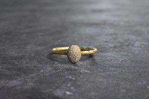 クラシック ~ ダイヤモンドリング『オーバルタイプ』 / K24