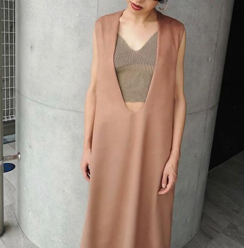 Deep U neck dress / dark pink