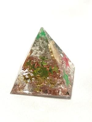 ピラミッド型ミニオルゴナイト~X'mas【天然水晶】