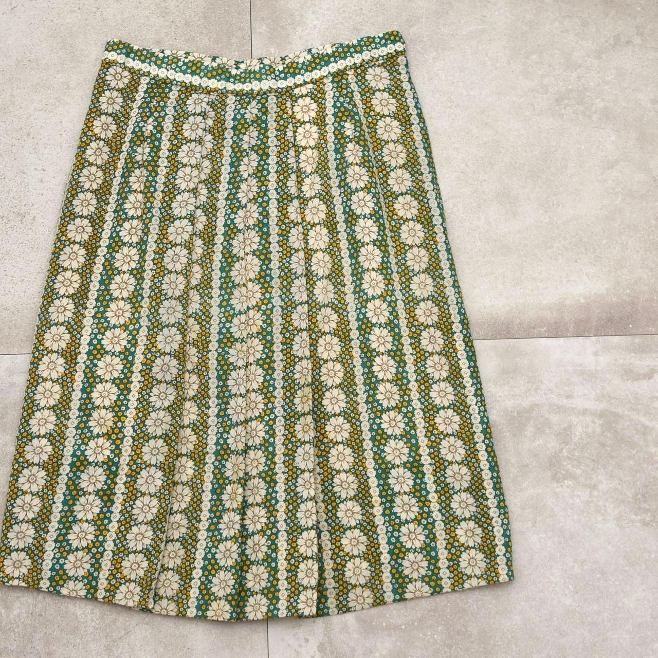 Vtg Retro design flower pattern skirt