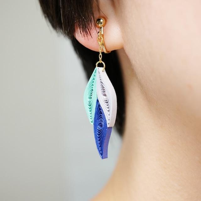 片耳0.4g♪フォックステイルイヤリング・ピアス[クールブルー] , ペーパークイリングの軽いイヤリング・軽いピアス