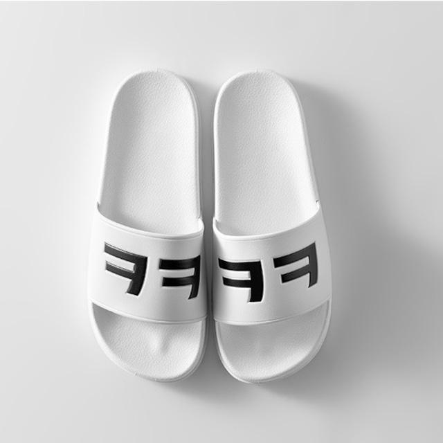 新製品【ペダレミンジョ】ㅋㅋㅋ スリッパサンダル