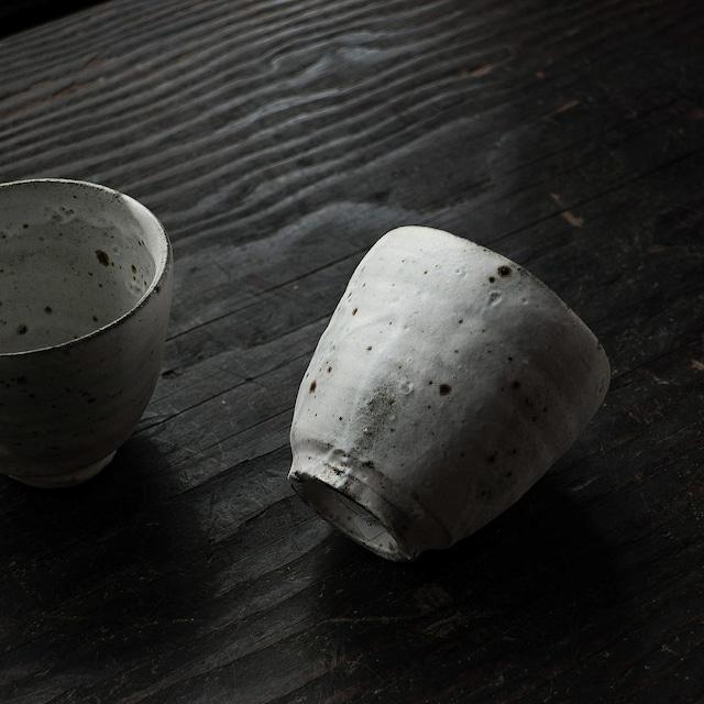 白湯呑 uchida yoshimi