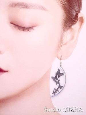 舞蝶の耳飾り