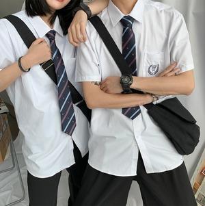 【ユニセックス】ネクタイ付きスクールシャツ