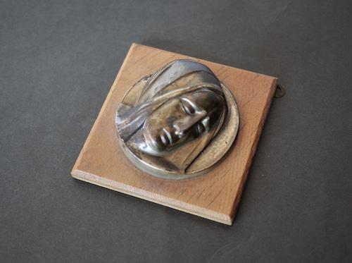 聖母マリア 哀傷肖像 メタルレリーフ壁掛 南ドイツ