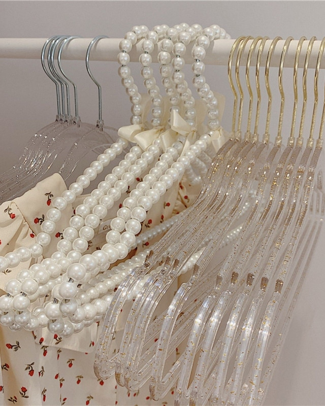 pearl hanger