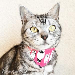 【こっち見てない猫たち柄】猫用バンダナ風首輪/選べるアジャスター 猫首輪 安全首輪 子猫から成猫