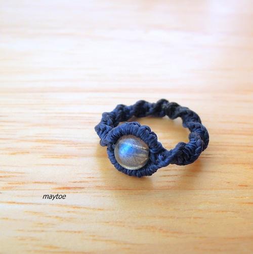 宝石質ブルーラブラドライトのマクラメリング<金属フリー>