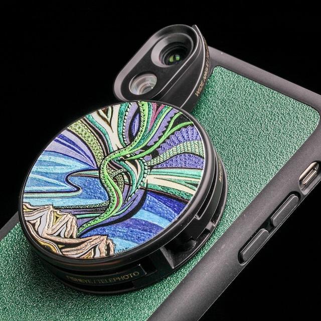 オフィシャルサイト限定販売【iPhone X & XS向け】6つのレンズを搭載したレンズ着脱型ケース「Aurora柄」