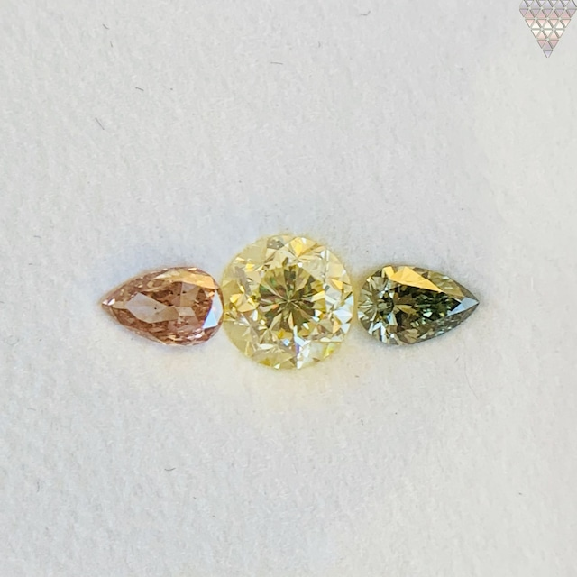 合計  0.71 ct 天然 カラー ダイヤモンド 3 ピース GIA  1 点 付 マルチスタイル / カラー FANCY DIAMOND 【DEF GIA MULTI】