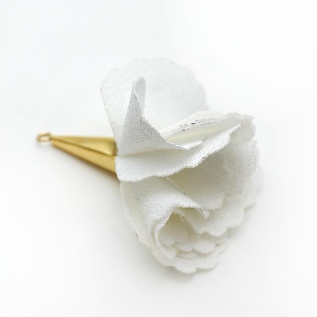 ローズペタルファブリックタッセルパーツ16KGP ホワイト MADE in KOREA(1ペア)[G5-01W]