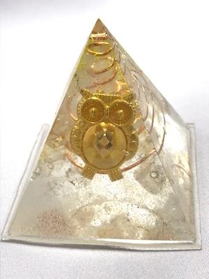 ピラミッド型オルゴナイト(フクロウ)【シトリン・天然水晶】