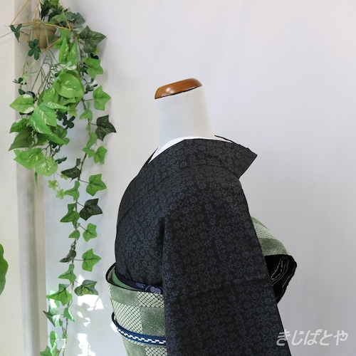 大島紬 黒地に青花 袷