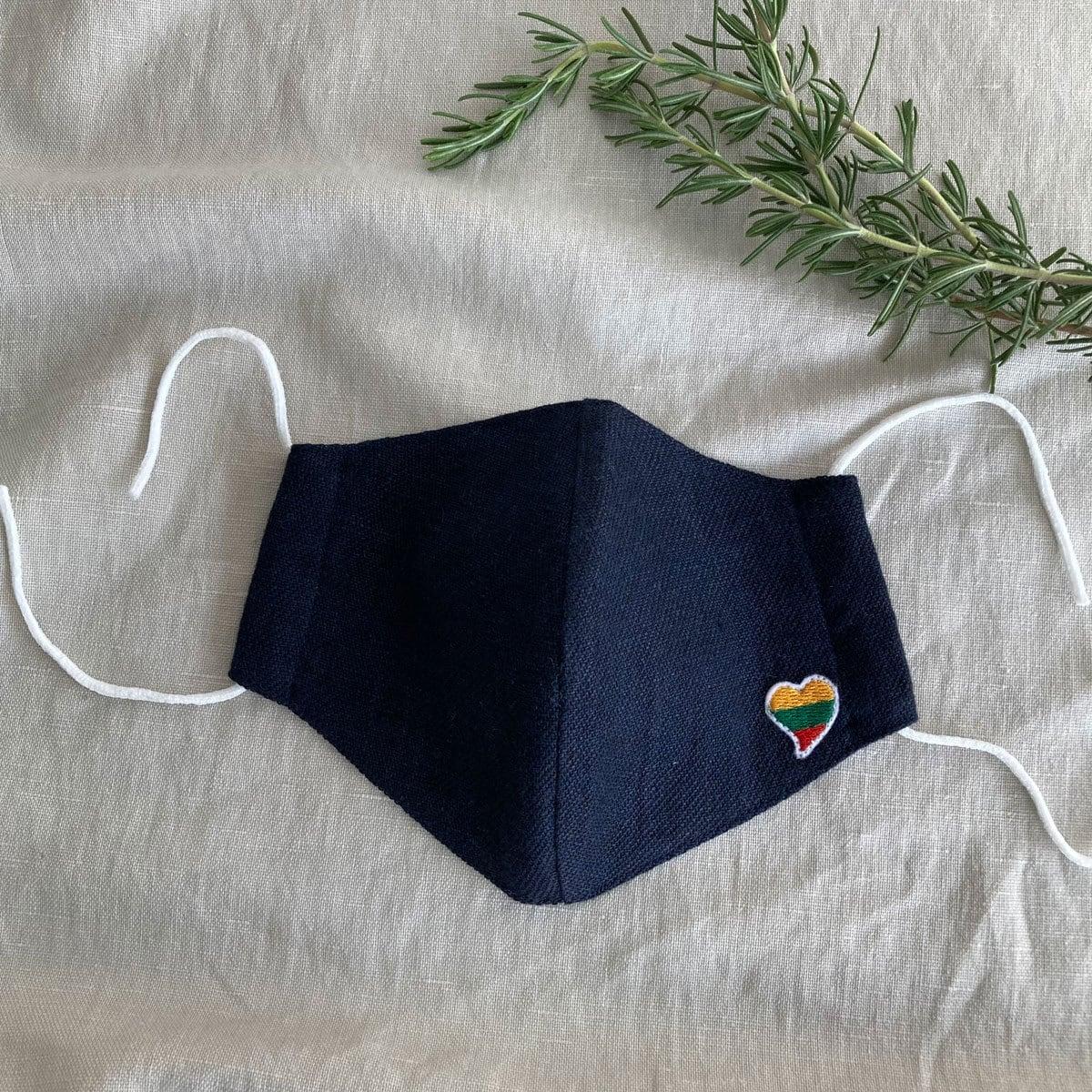 リトアニア産リネン使用 ハンドメイドマスク リトアニア国旗モチーフハートマーク付平織リネンコットン ネイビー