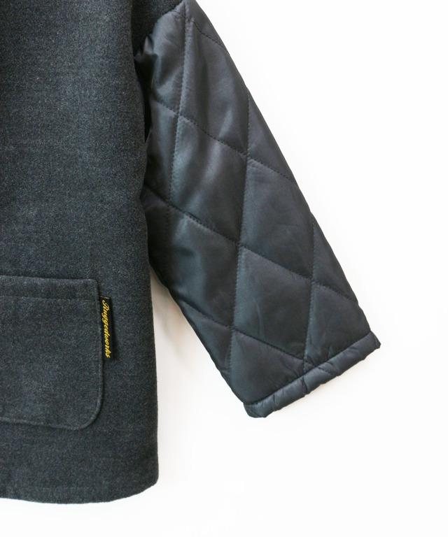 ノーカラー異素材切替えキルトコート