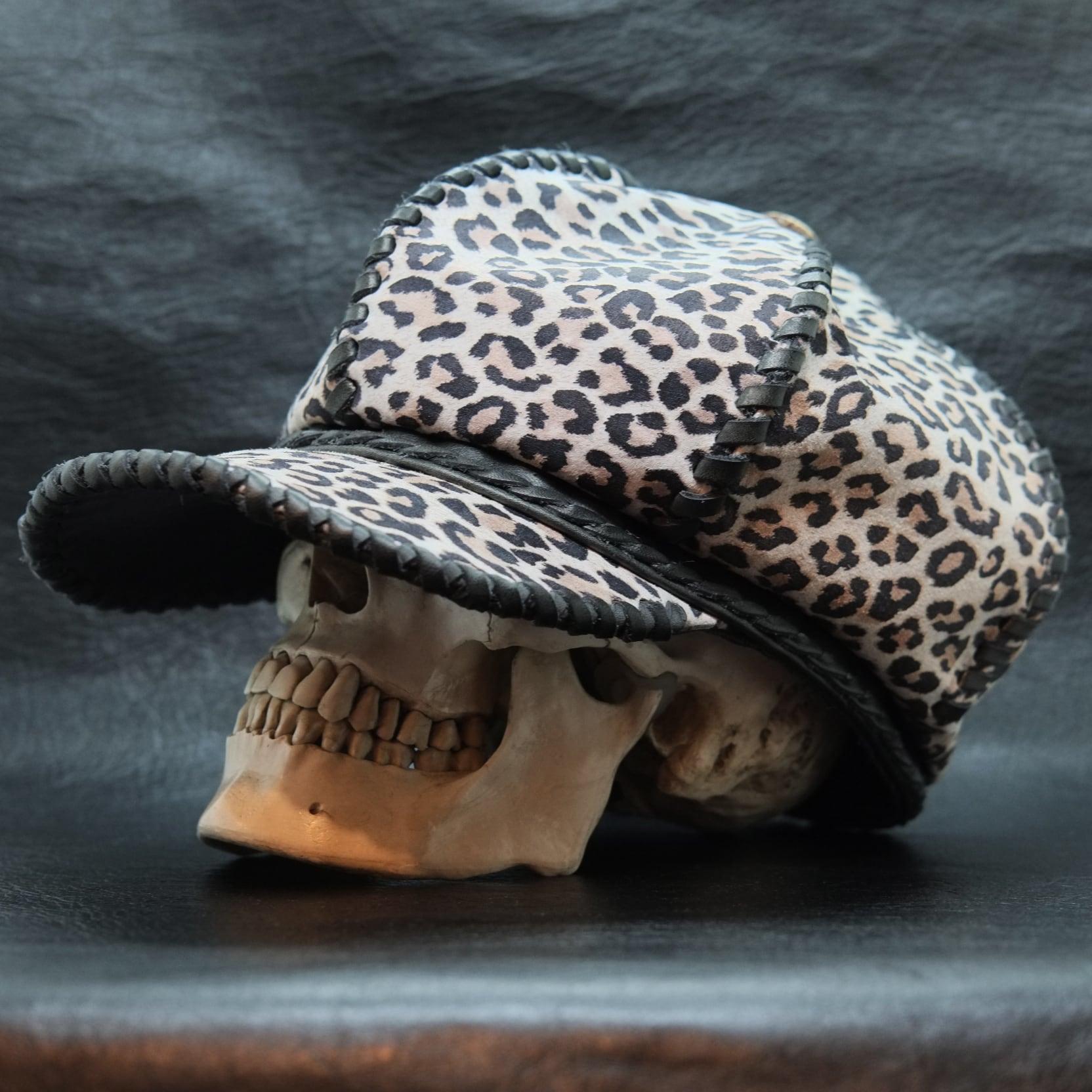 6ハギ・レザーキャスケット帽 レオパード&ブラック