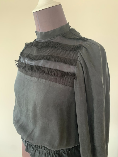 Balkan sleeve tops / Fringe Black