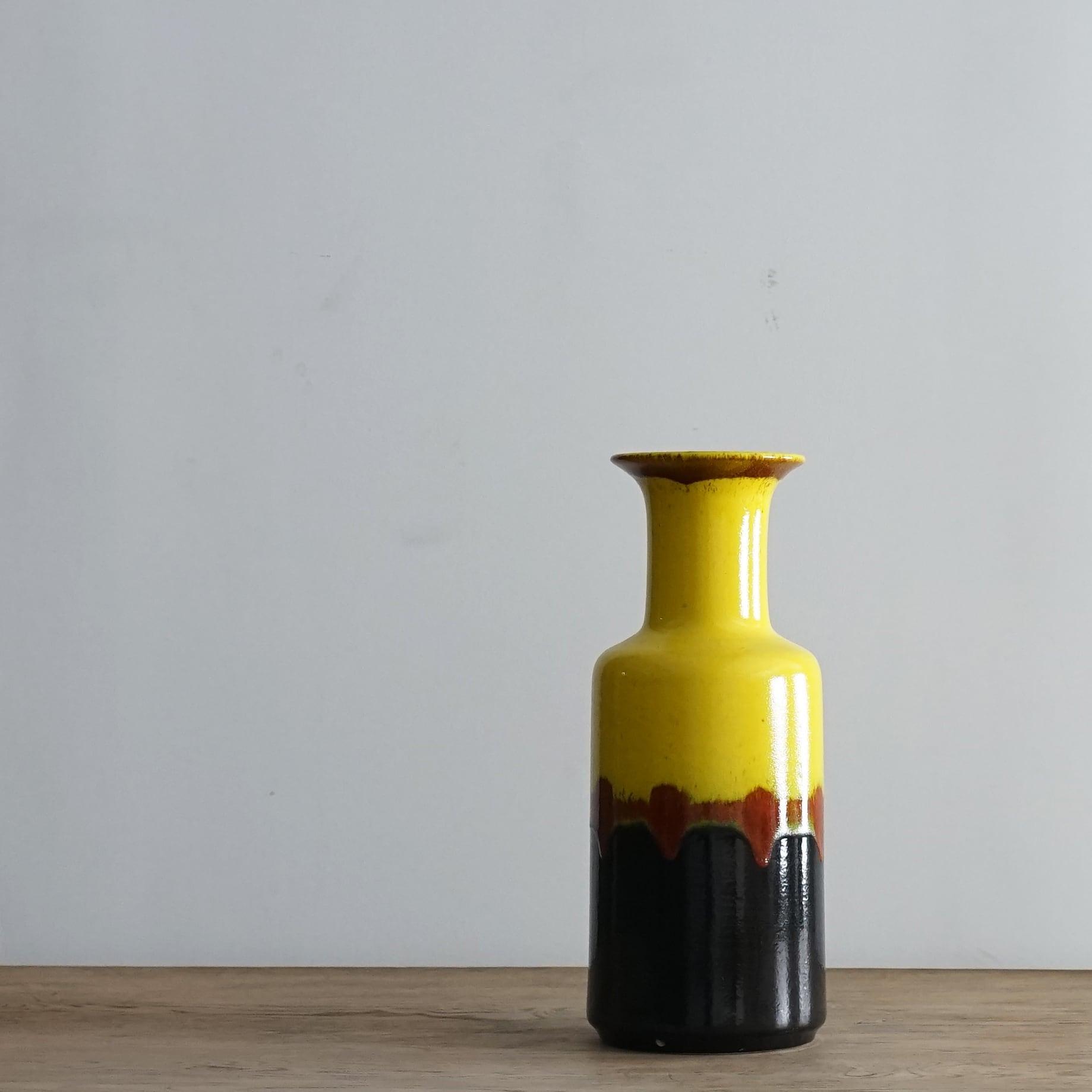 #06-06  Fat LavaVintage flower vase