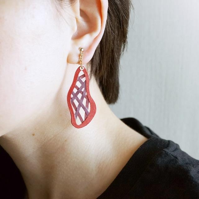 片耳0.6g『綾』レッド: 軽い・痛くなりにくい紙のイヤリングとピアス, ペーパージュエリー